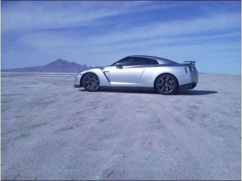 Super Silver Metallic 2009 Nissan GT-R Premium