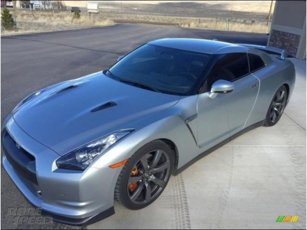 2009 GT-R Premium - Super Silver Metallic / Black photo #2