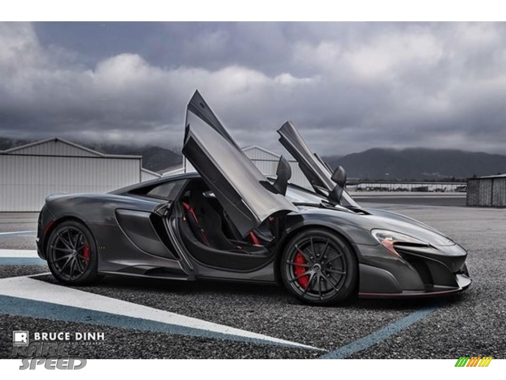 Storm Grey / Carbon Black McLaren 675LT Coupe