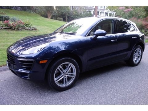 Dark Blue Metallic 2015 Porsche Macan S