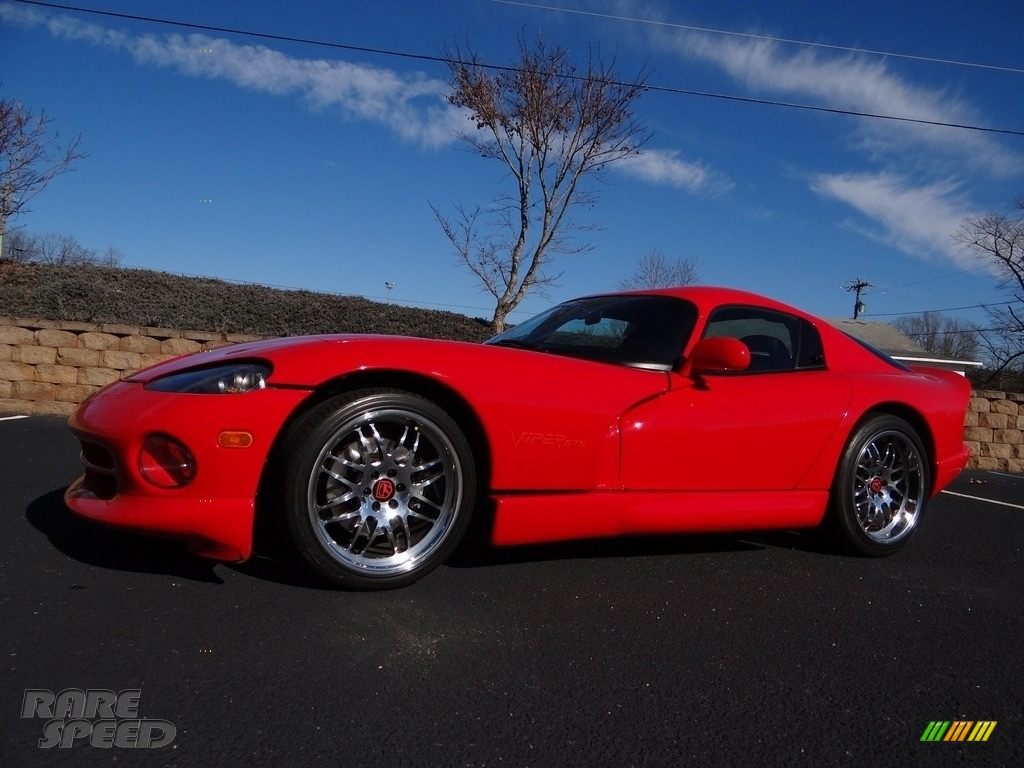 Viper Red / Black Dodge Viper GTS