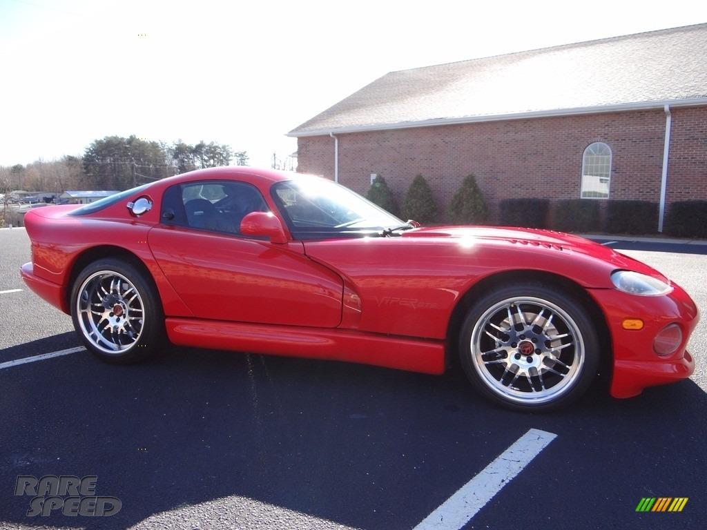 1997 Viper GTS - Viper Red / Black photo #13
