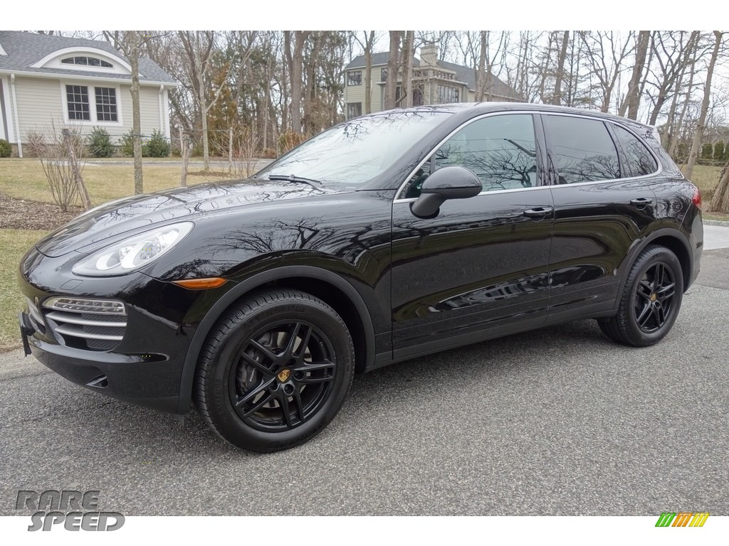 2014 Cayenne Platinum Edition - Black / Black photo #1