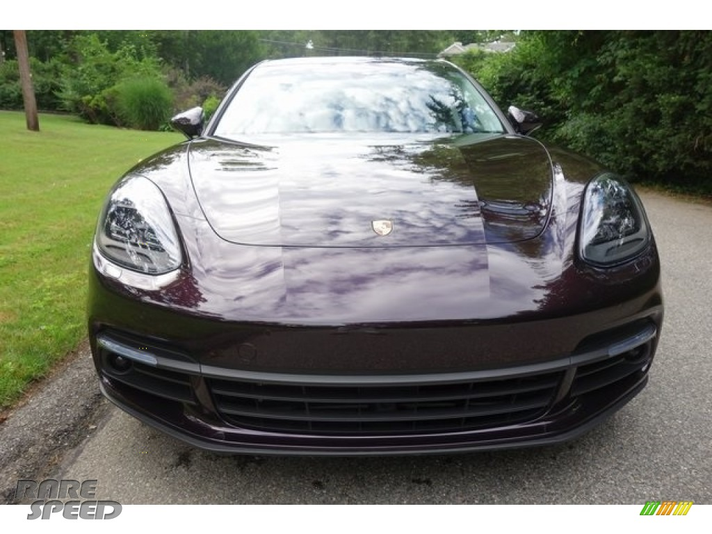 2018 Panamera 4 Sport Turismo - Amethyst Metallic / Black/Chalk photo #2
