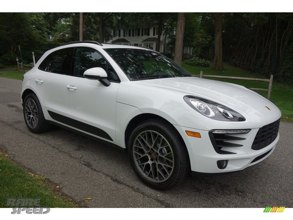 2018 Macan  - White / Black photo #1