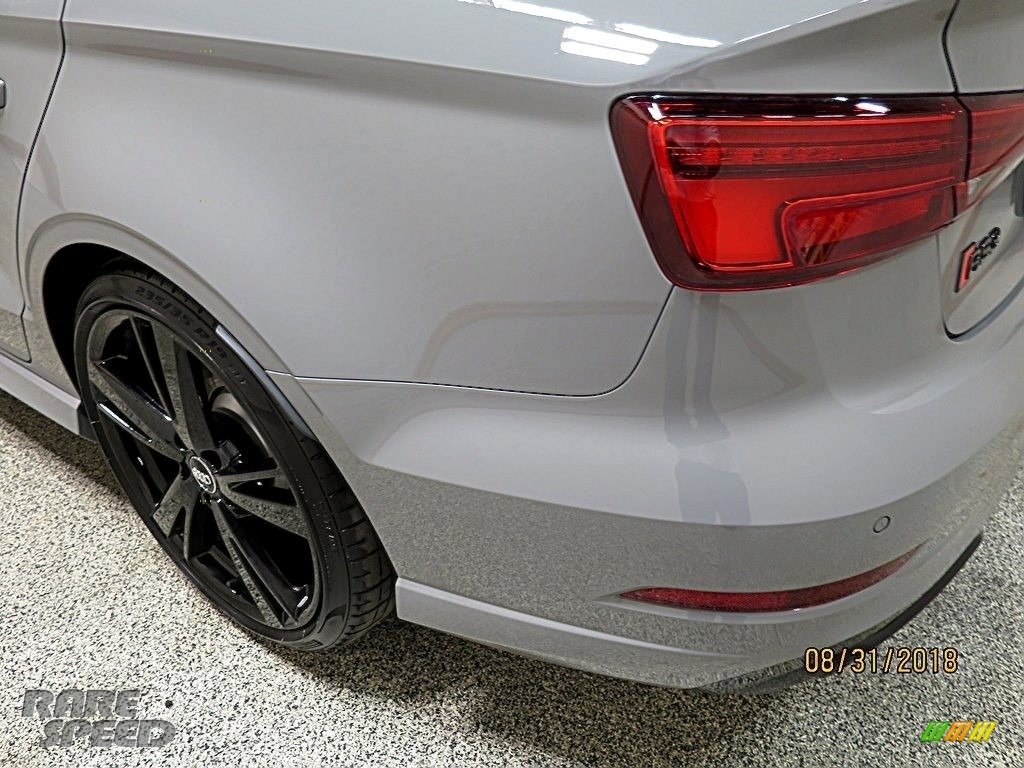 2018 RS 3 quattro Sedan - Nardo Gray / Black/Crescendo Red photo #7