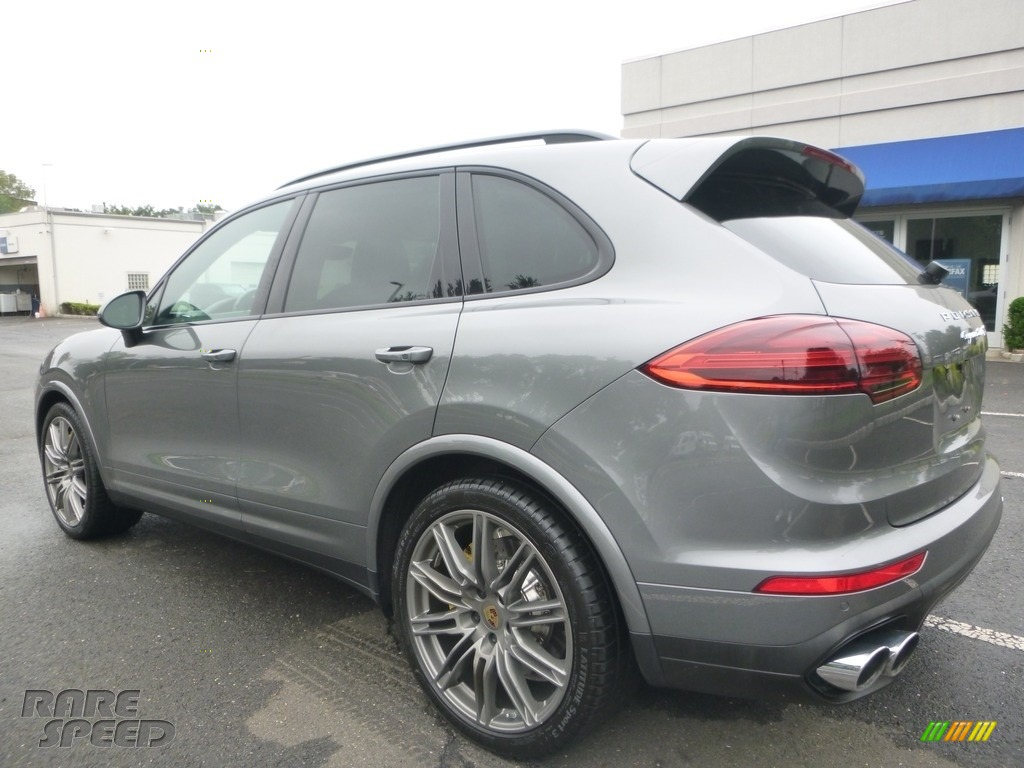 2016 Cayenne Turbo S - Meteor Grey Metallic / Black/Garnet Red photo #3