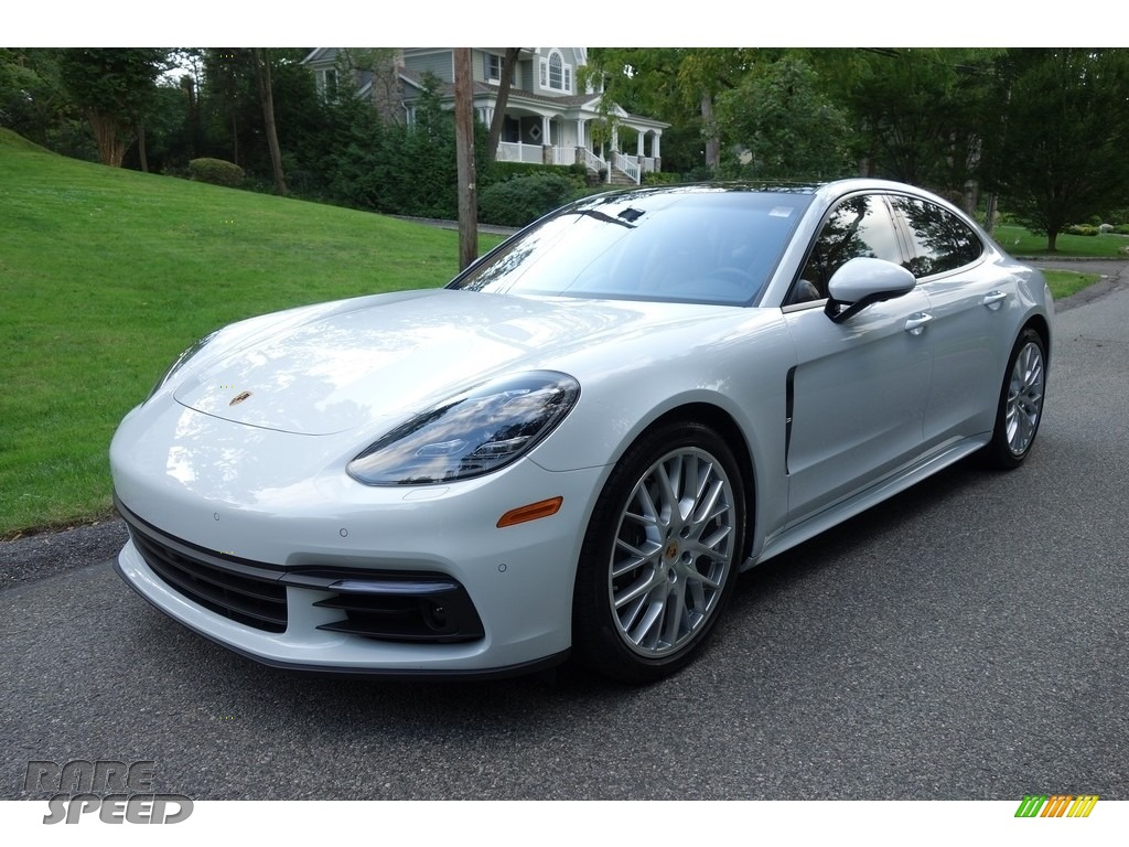 2018 Panamera 4 - Carrara White Metallic / Black/Luxor Beige photo #1
