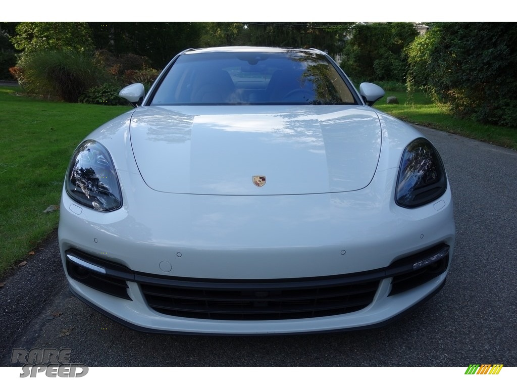 2018 Panamera 4 - Carrara White Metallic / Black/Luxor Beige photo #2