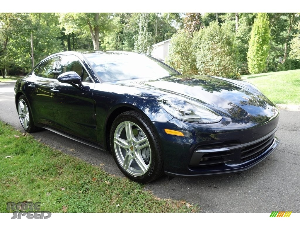 Night Blue Metallic / Black/Luxor Beige Porsche Panamera 4S
