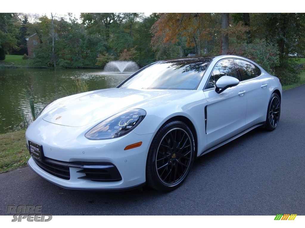 Carrara White Metallic / Black Porsche Panamera 4