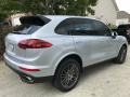 Porsche Cayenne Platinum Edition Rhodium Silver Metallic photo #6