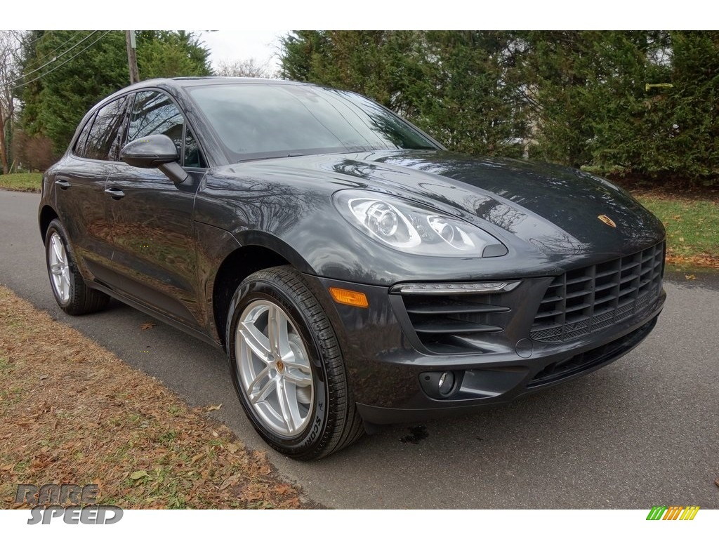 2018 Macan  - Volcano Grey Metallic / Black photo #1
