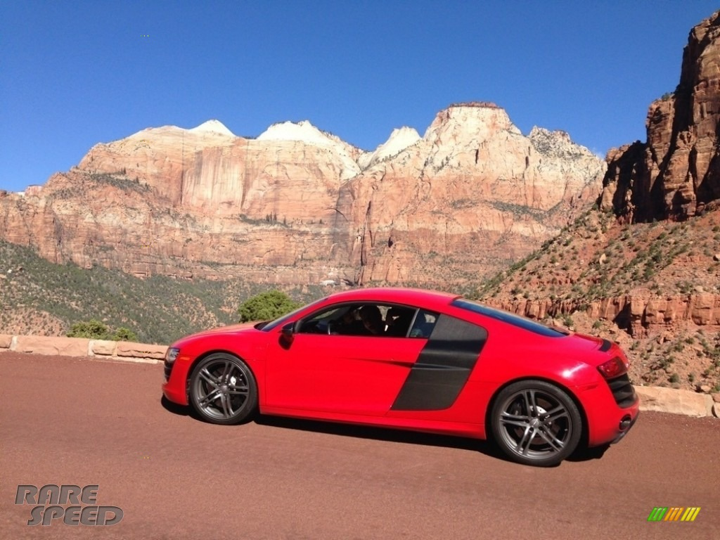 2012 R8 5.2 FSI quattro - Brilliant Red / Black photo #1