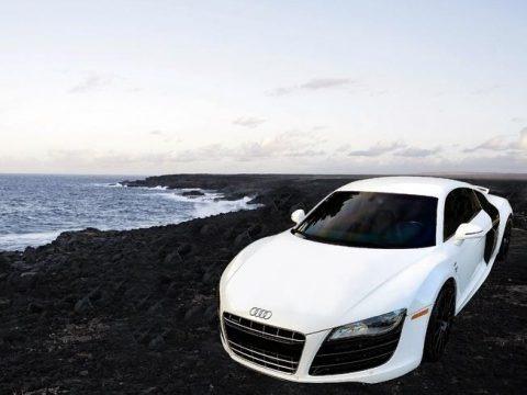 Ibis White 2010 Audi R8 5.2 FSI quattro
