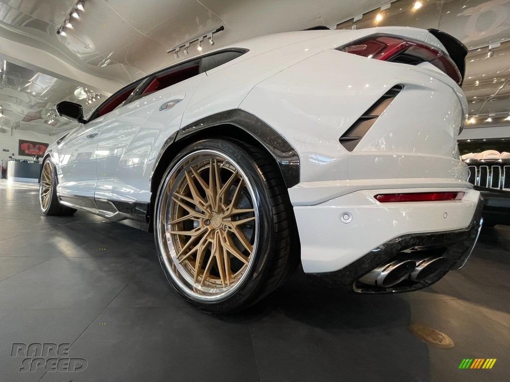 Bianco Icarus Metallic / Rosso Alala/Nero Ade Lamborghini Urus AWD