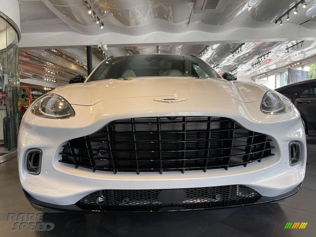 2021 DBX AWD - White / White/Black photo #1