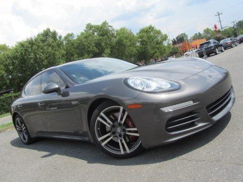 Agate Grey Metallic 2014 Porsche Panamera
