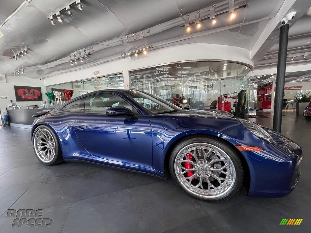 2020 911 Carrera S - Gentian Blue Metallic / Slate Gray/Chalk photo #1