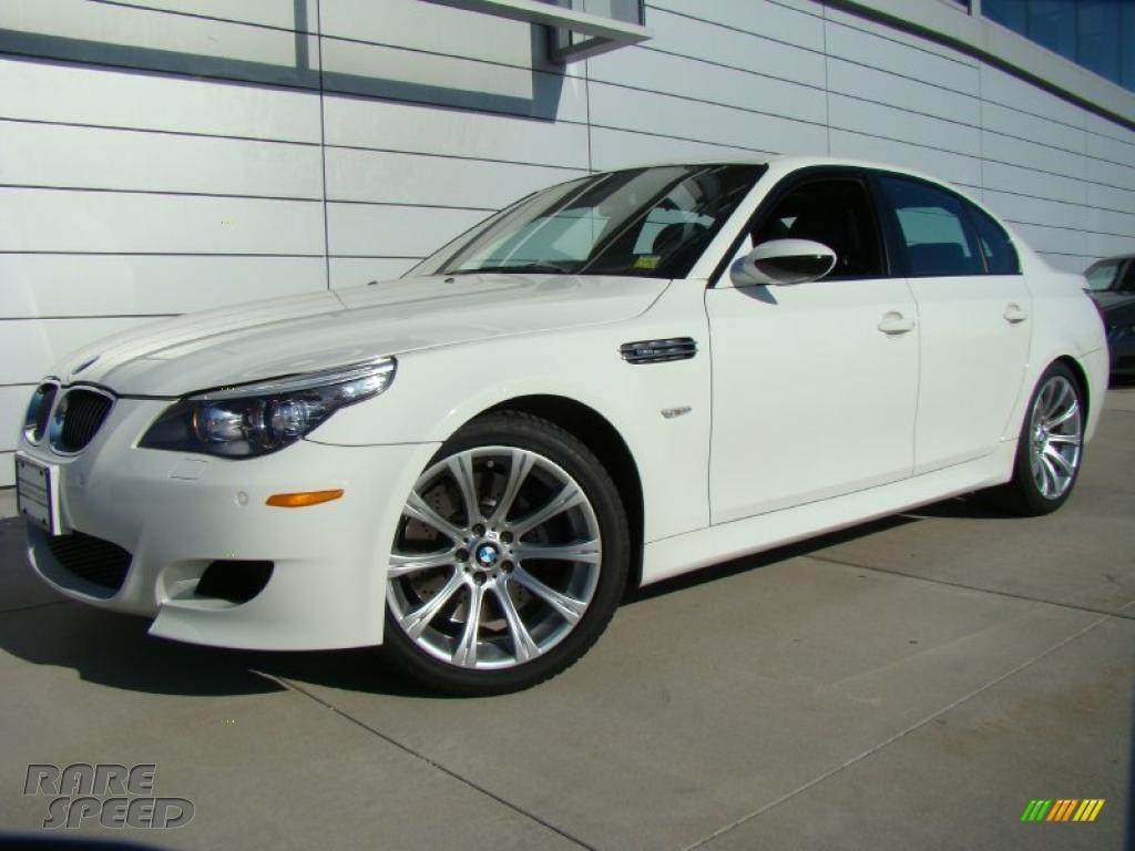 Alpine White / Black Alpine White / Black BMW M5 Sedan BMW M5 Sedan