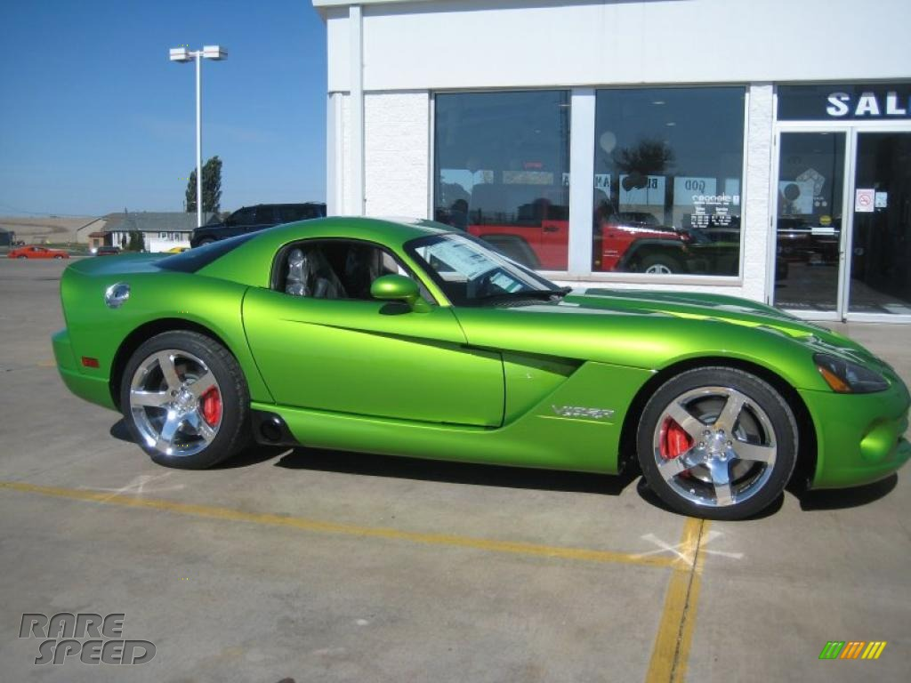 2010 dodge viper srt10 coupe in viper snakeskin green pearl photo 2 100167 rarespeed com